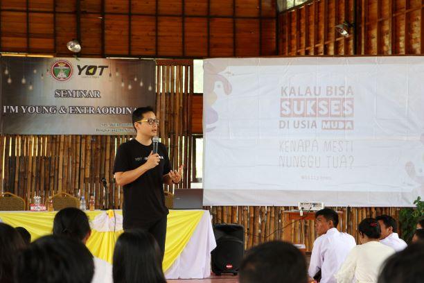 I'm Young and Extraordinary, Billy Boen GM Muda Dunia Berikan Seminar di STIM SB