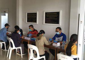 Mahasiswa Prodi PGSD dan TI 2020 Jalani Tes Hepatitis serta Rapid Test